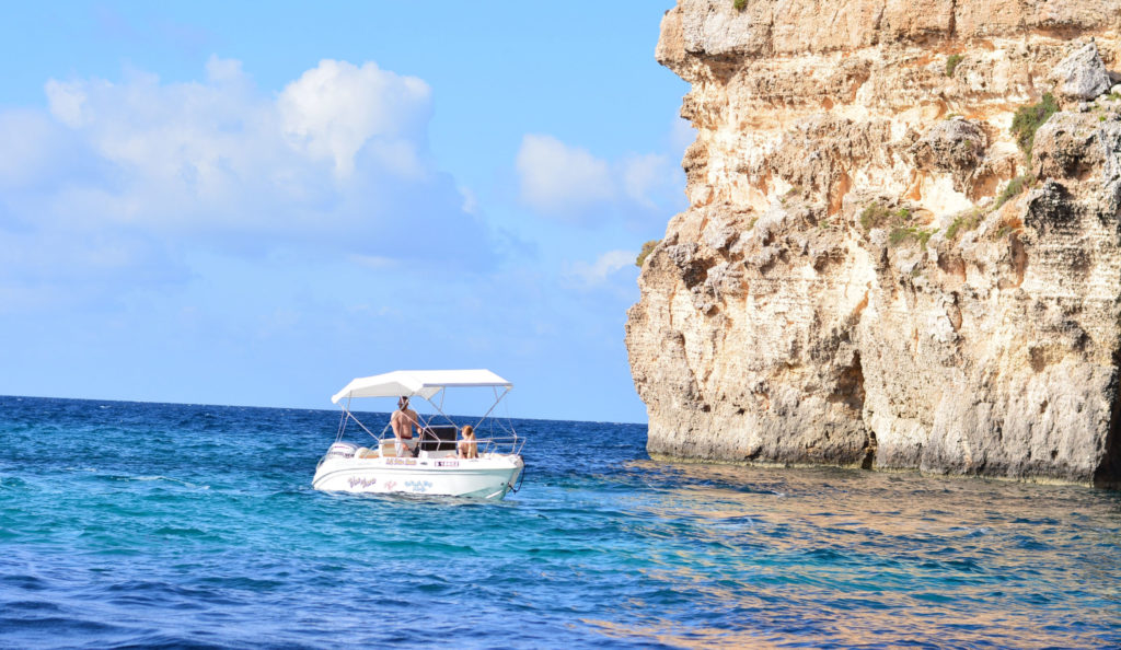 Rent a boat from Bluewaves